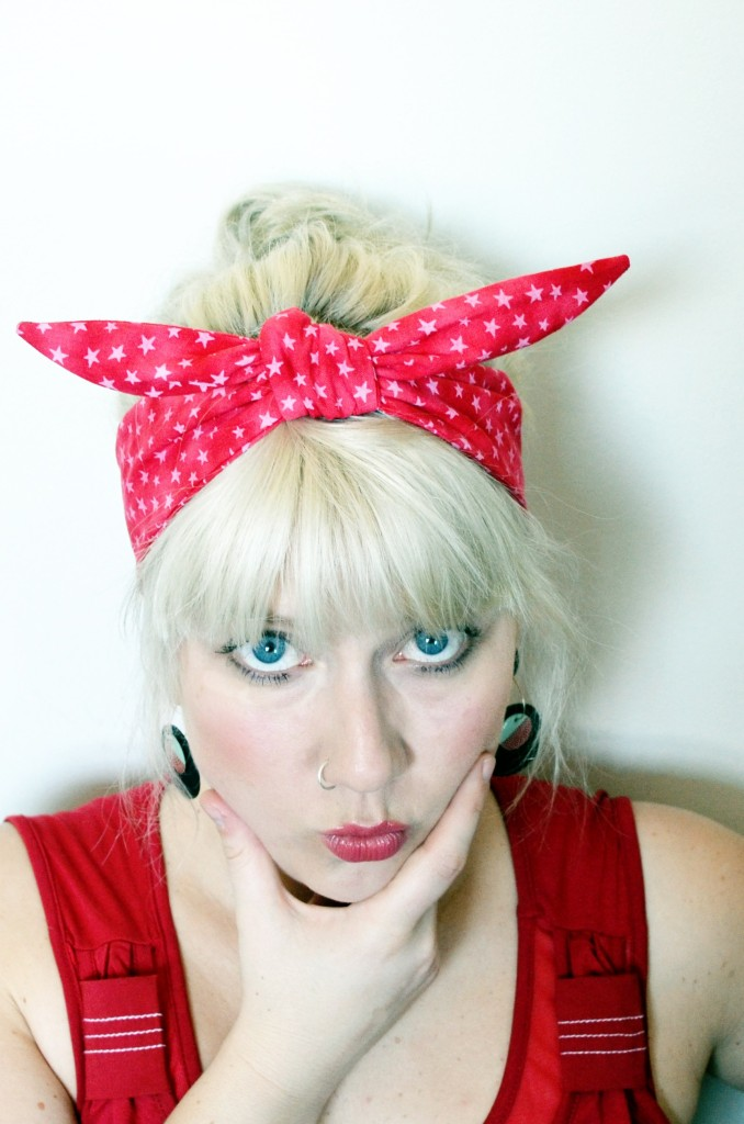 How to tie Rockabilly headband knot
