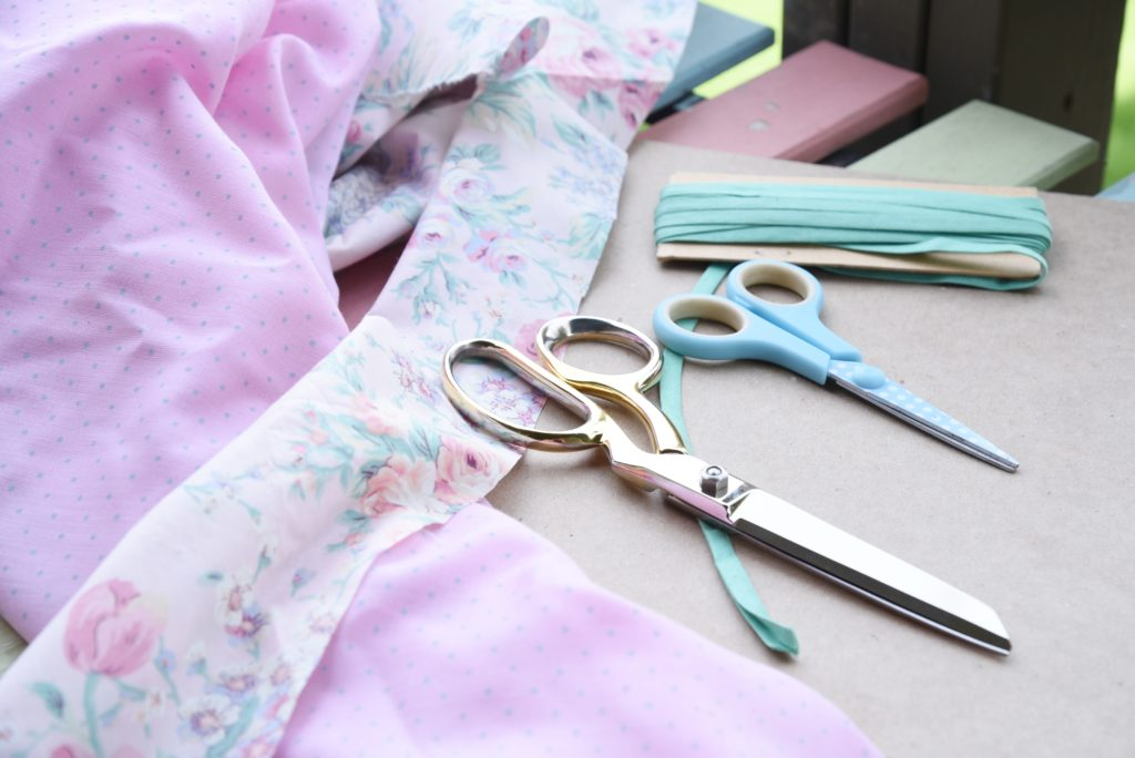 utensils to make vintage fabric garland